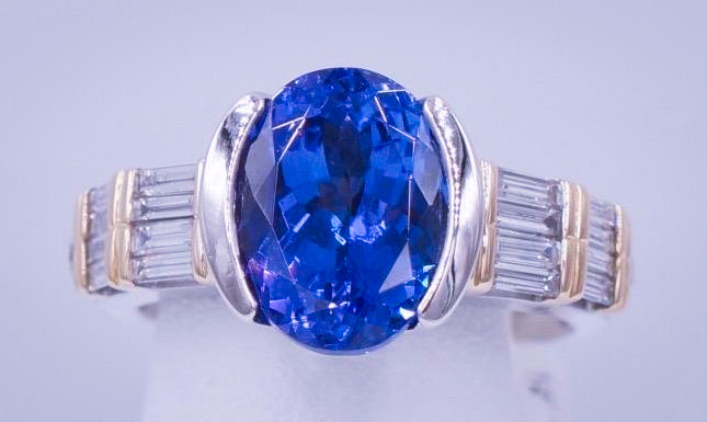 Tiffany_4.8_Tanzanite_Ring