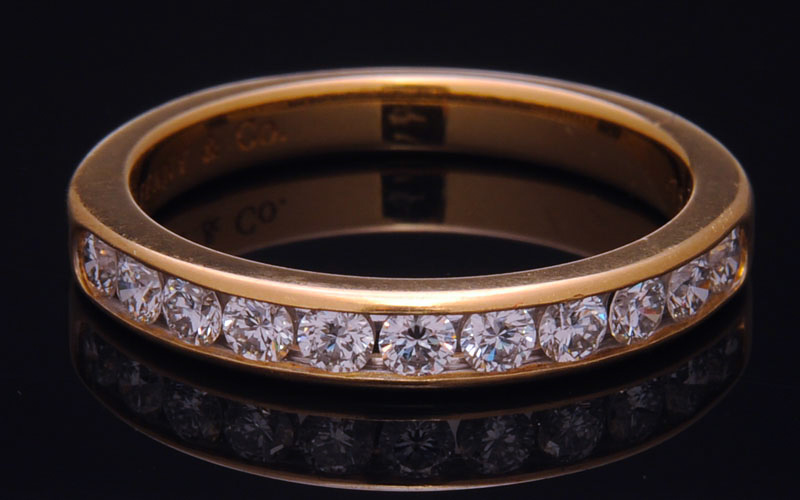Where_to_Sell_Tiffany_Diamond_Gold_Bangles